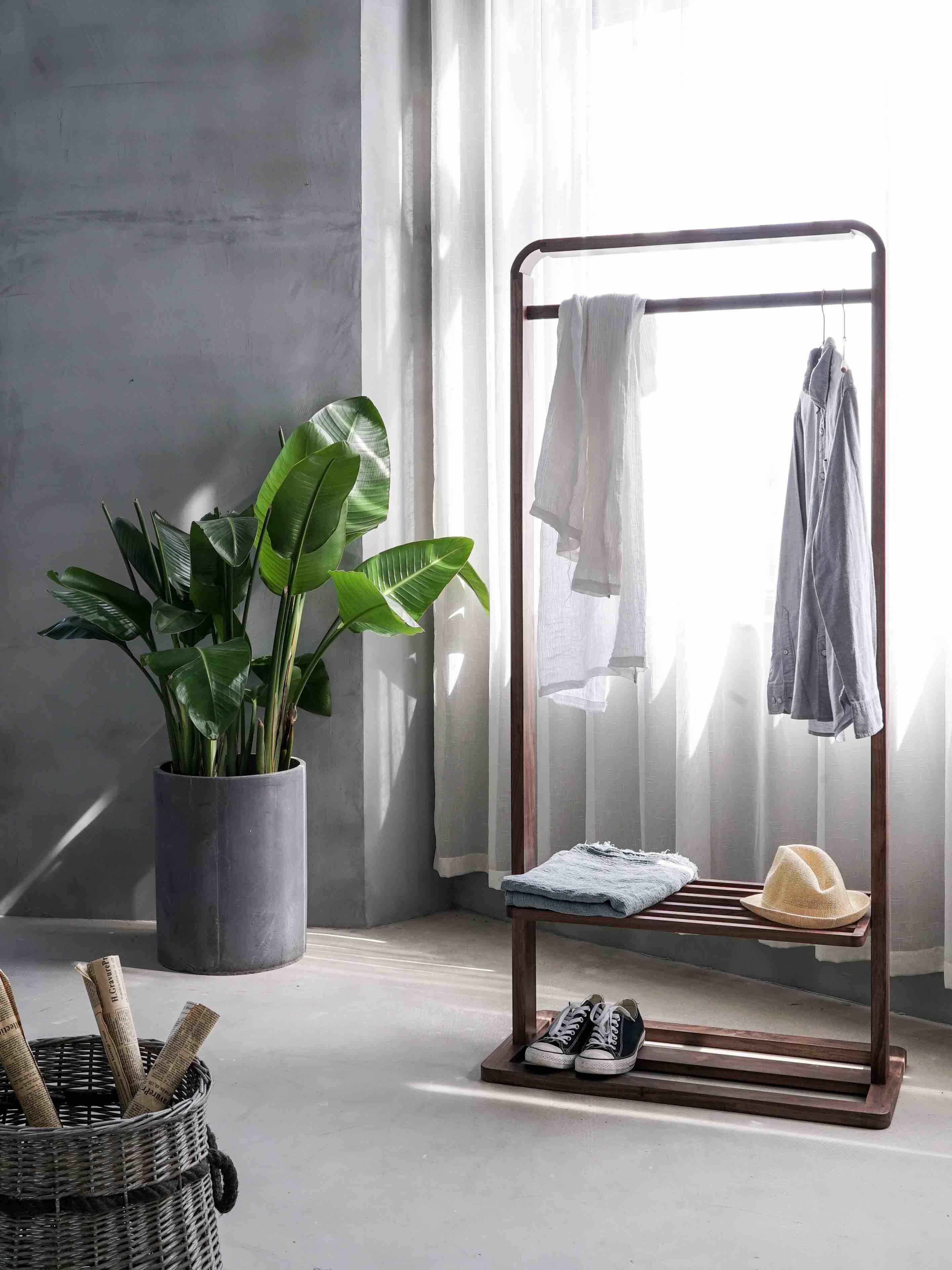 minimalistic clothing hanger